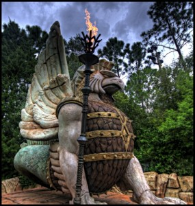 Hawdrac statue adorns the entrance to Hawdrac Lake